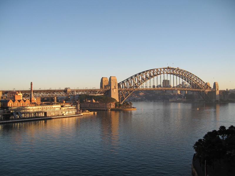 悉尼海港大桥.jpg