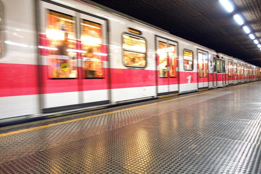 地铁.jpg