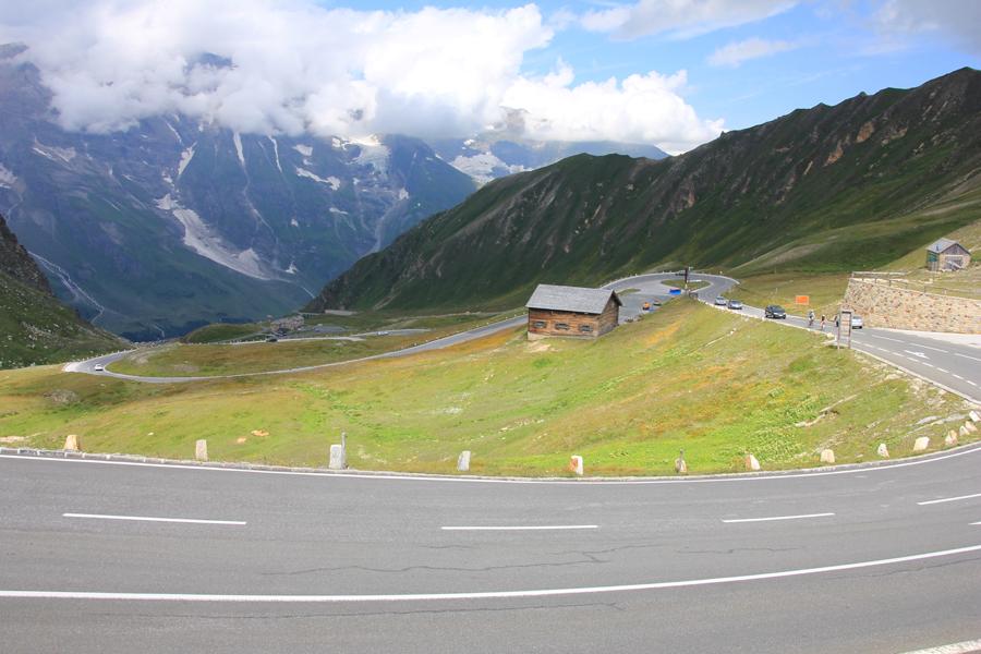 穿越阿爾卑斯高山公路.jpg