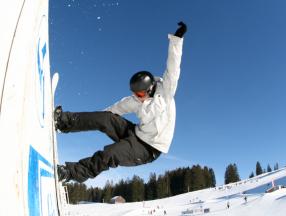 瑞士旅游必须体验的几个项目,阿尔卑斯山系,热气球,滑雪,日内瓦湖等