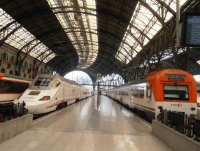 西班牙旅游交通介绍,飞机,火车,巴士,地铁,自助租车等详细介绍