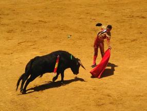 西班牙旅游必须体验的几个项目,足球比赛,斗牛表演,圣家族大教堂等详细介绍