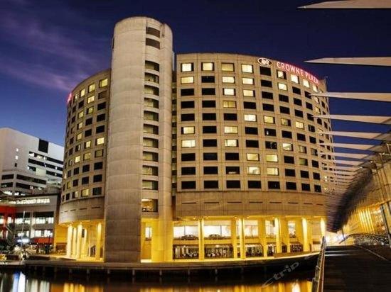 墨尔本皇冠假日酒店