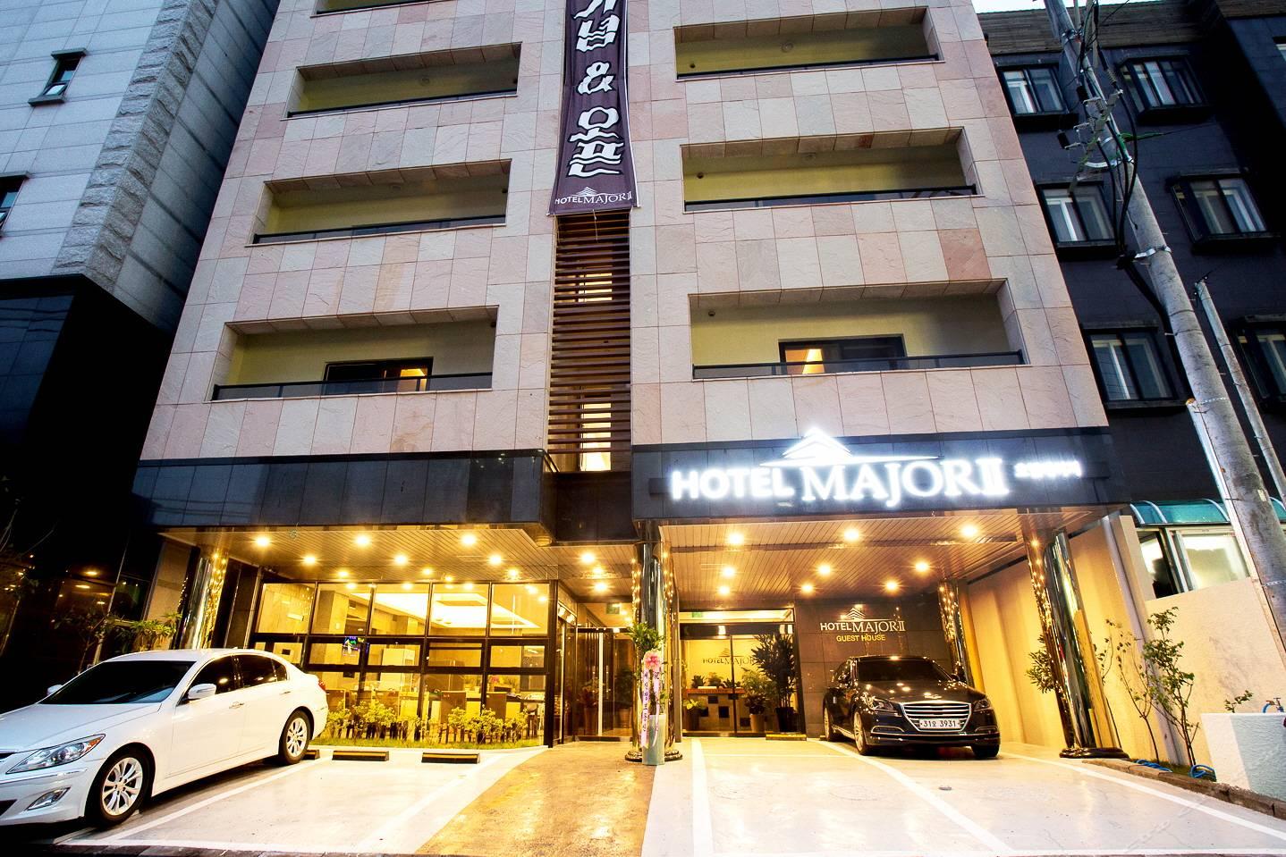 马若尔2号酒店