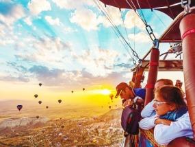 卡帕多西亚60分钟热气球之旅(含香槟早餐)